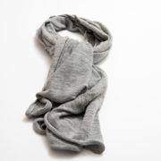 lurex-sjaal-lichtgrijs-invite-a-friend